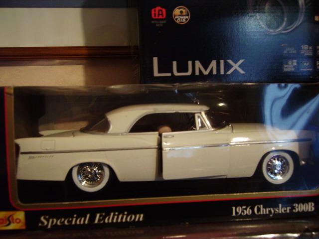 l amerique a sancoins voiture miniatures 1 18 vendre comme neuve. Black Bedroom Furniture Sets. Home Design Ideas